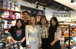 Picture of Minister Fairhead visiting Lush Cosmetics in Korea.