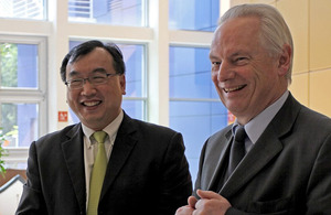 Francis Maude MP in Singapore (photo credit: Civil Service College, Singapore)