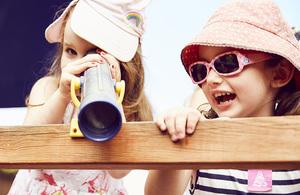 2 girls play at Lullabyz Nursery.