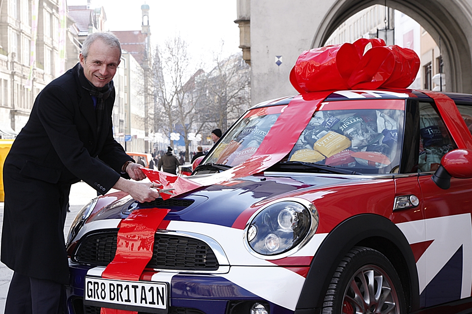 Europe Minister David Lidington with the GREAT Britain MINI
