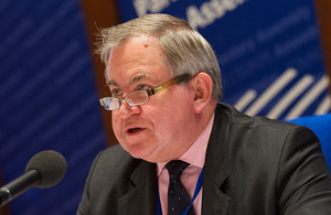Robert Walter MP, leader of the UK PACE Delegation