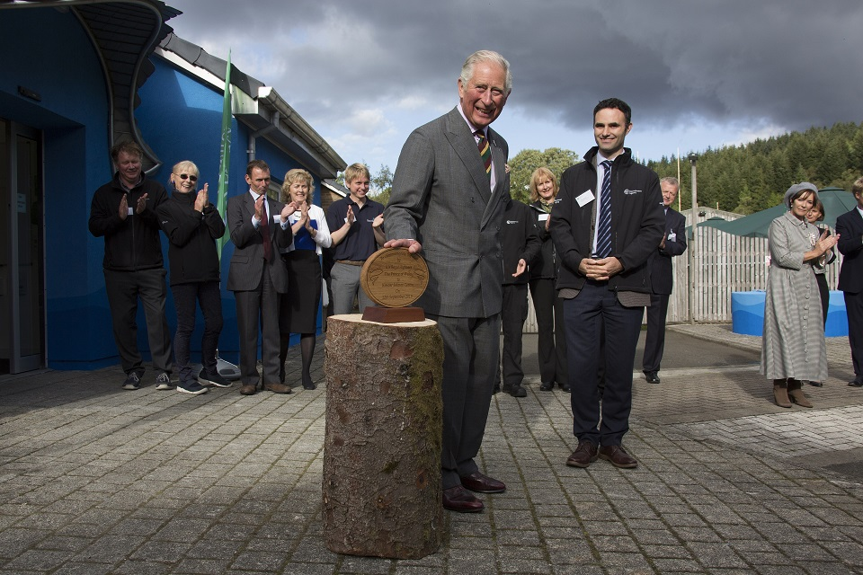 The Prince of Wales unveiling a plaque