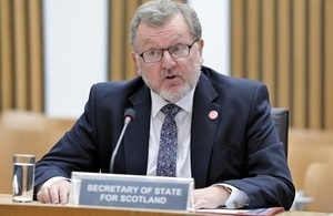 Mr Mundell giving evidence to the Scottish Parliament's Finance and Constitution Committee