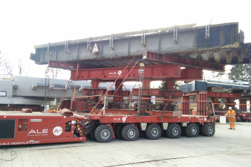 Specialist transporter lorry for carrying bridges