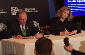 Penny Mordaunt and Michael Bloomberg at the Bloomberg Global Business Forum in New York City, 26 September 2018.