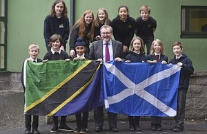 David Mundell with Towerbank Primary School pupils