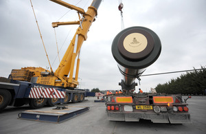 The barrel of the UK's last surviving railway howitzer is loaded onto a lorry for transport to Holland [Picture: Shane Wilkinson, Crown copyright 2013]