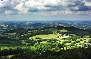 A picture of the Malvern Hills and farmland