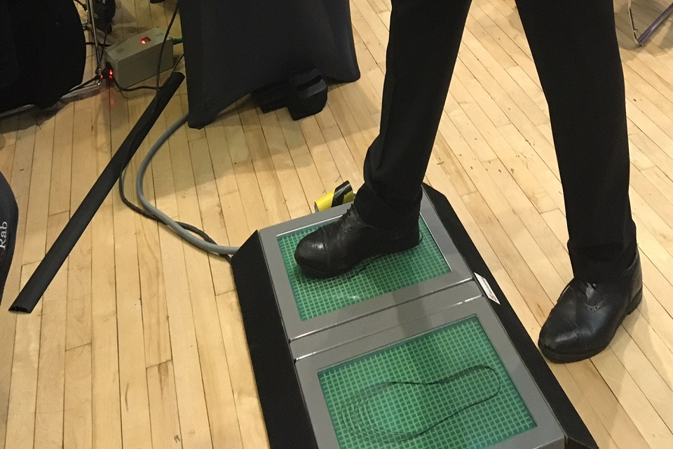 Scanna's foot scanner being demonstrated at recent showcase event