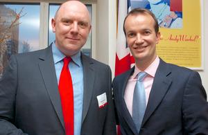 Santander's Darren Hart with Consul General Danny Lopez