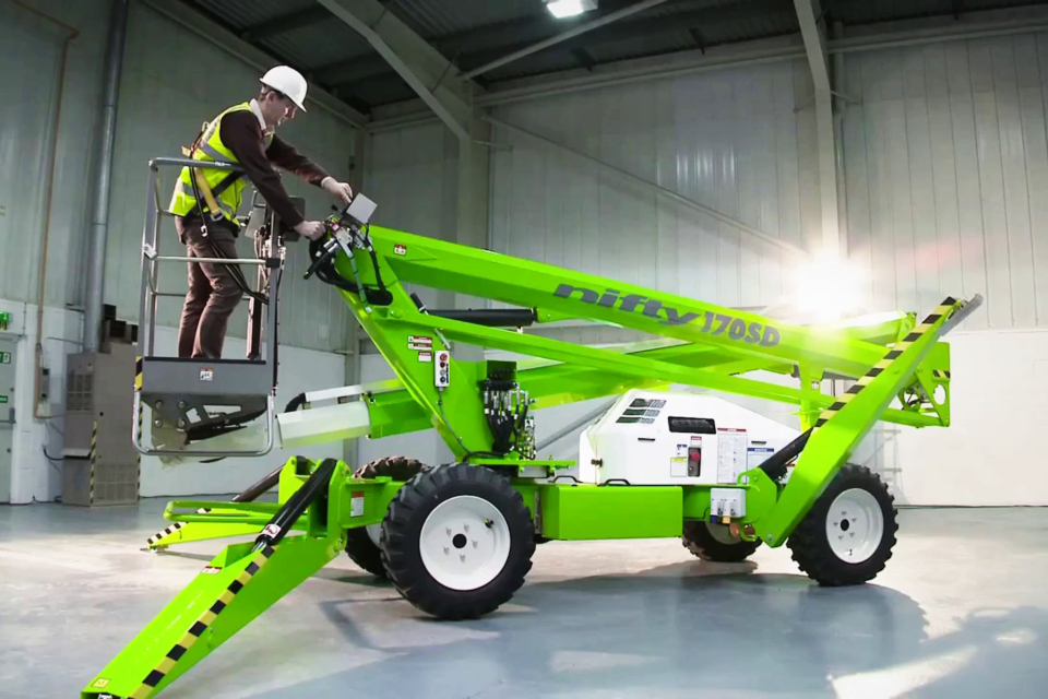An image of a Niftylift vehicle.