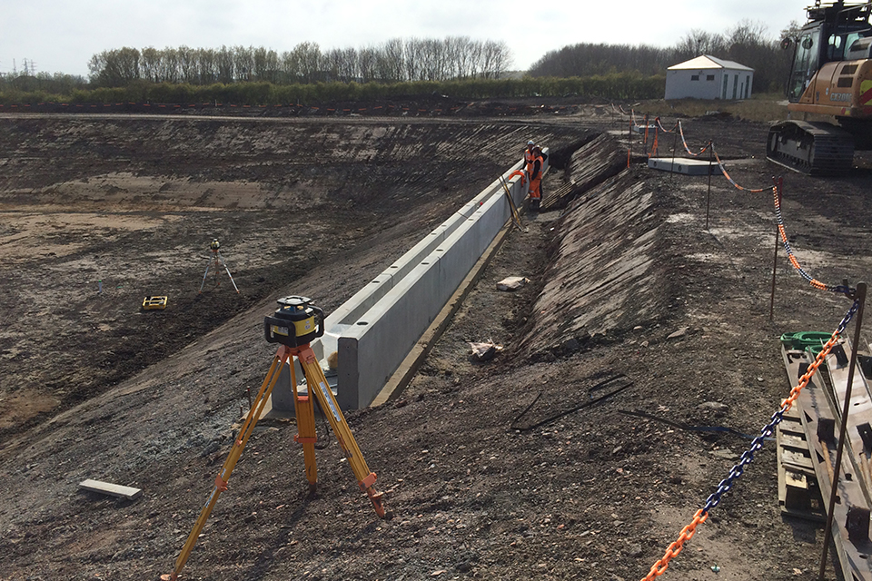 Building the settlement lagoon at Lynemouth mine water treatment scheme