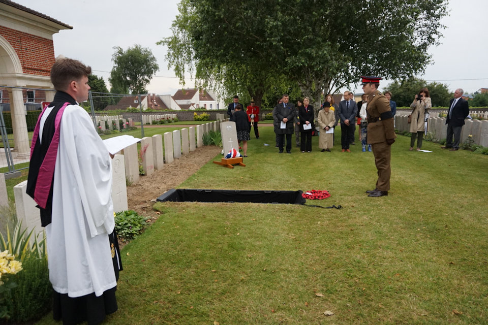 Capt David Hughes, 1st Battalion The Royal Welsh, lays a wreath at the graveside of the unknown South Wales Borderer, Crown Copyright, All rights reserved