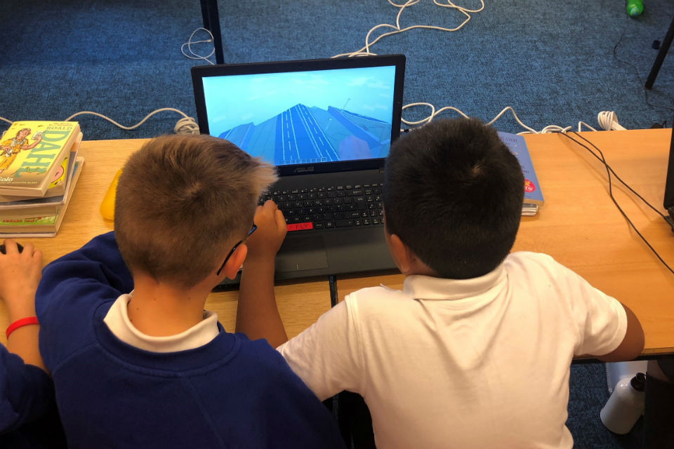 Pupils using A428 Minecraft simulation