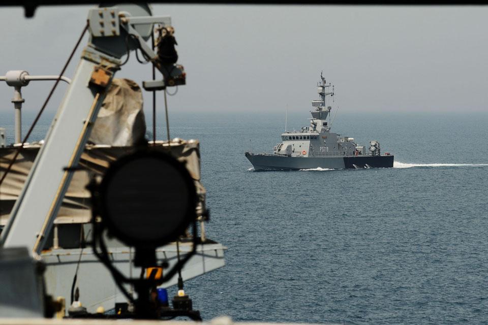 HMS Monmouth exercises with Kuwaiti warship Al-Ahmadi