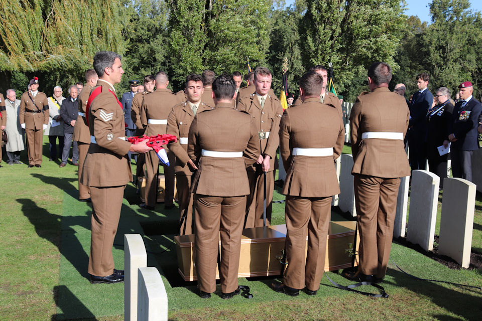 The WW1 Soldiers are placed in their final resting place. Crown Copyright unless otherwise stated