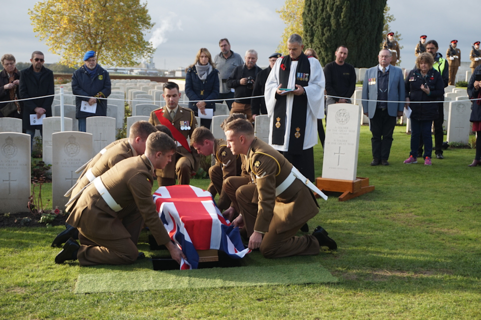 The service was conducted by the Revd Paul Whitehead CF and was supported by soldiers of C (Essex) Company of 1st Battalion The Royal Anglian Regiment.