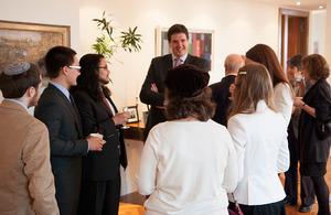 Deputy Consul General Nick Astbury welcomes the scholars.
