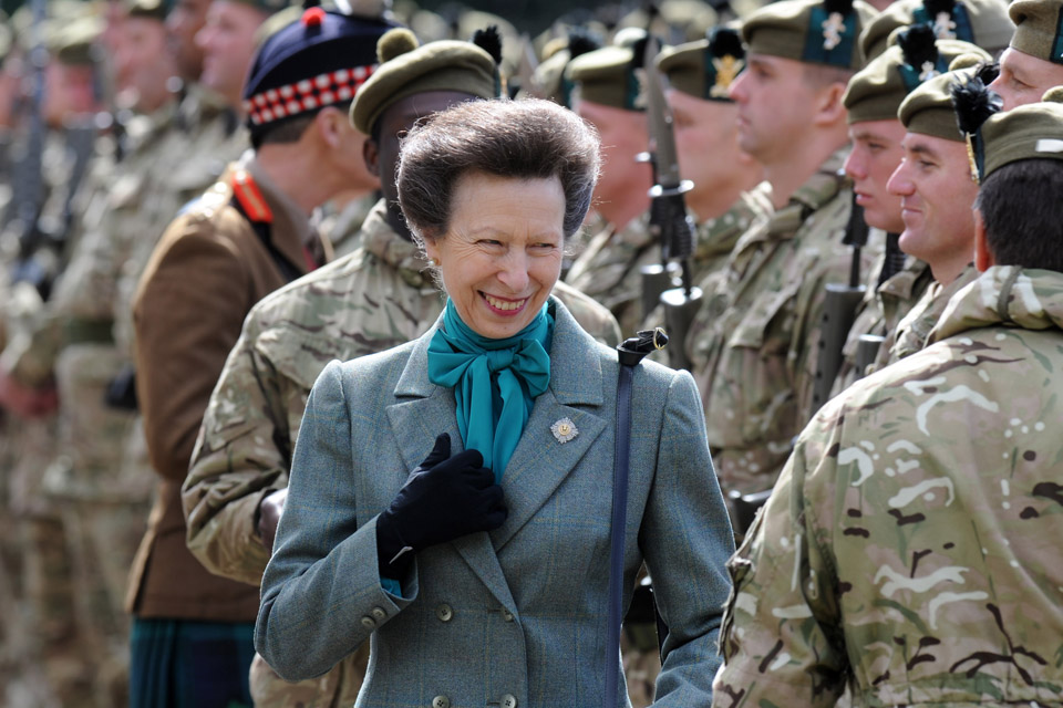 The Princess Royal meets soldiers