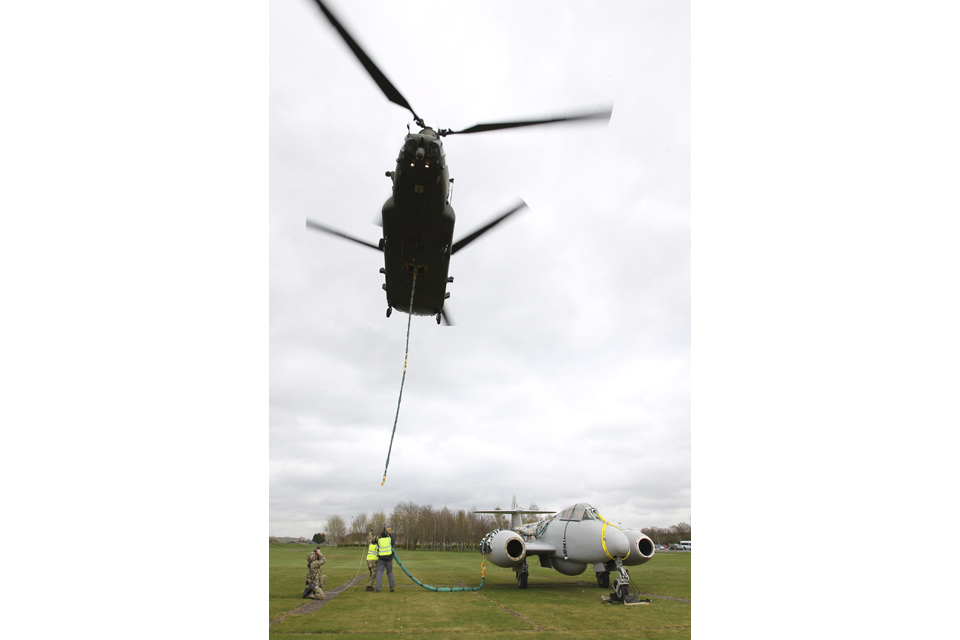 The Chinook helicopter begins to lift the Meteor gate guardian