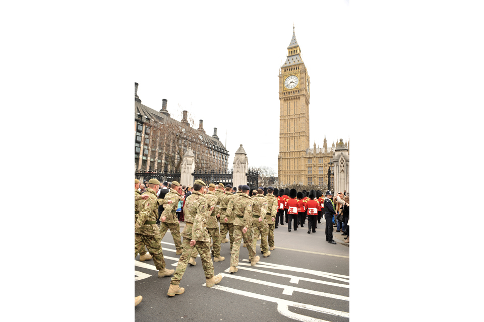 Troops from 4th Mechanized Brigade approach the Houses of Parliament