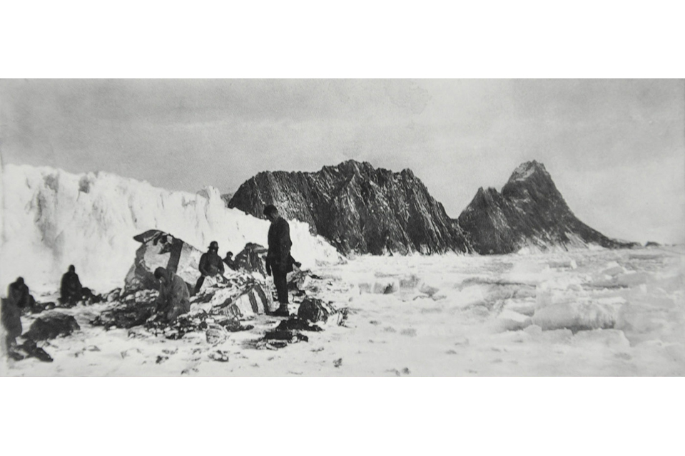 Shackleton's party on Elephant Island in 1916
