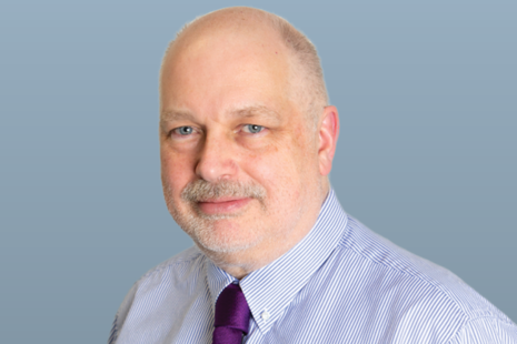Simon McKinnon