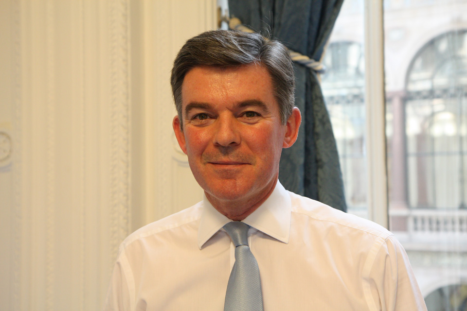 The Rt Hon Hugh Robertson