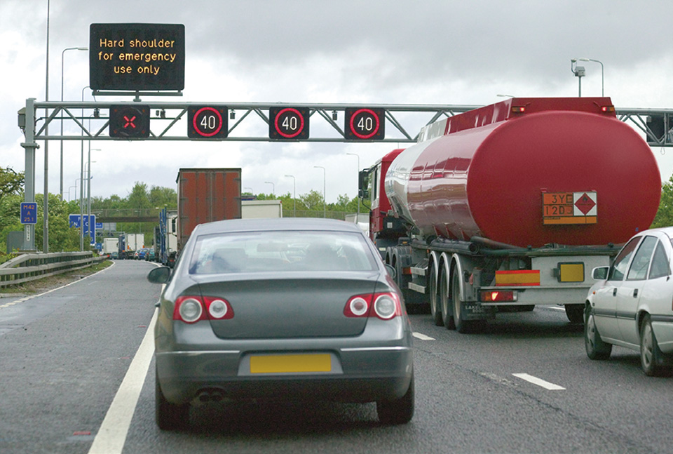 Rule 269: Overhead gantry showing red cross over hard shoulder