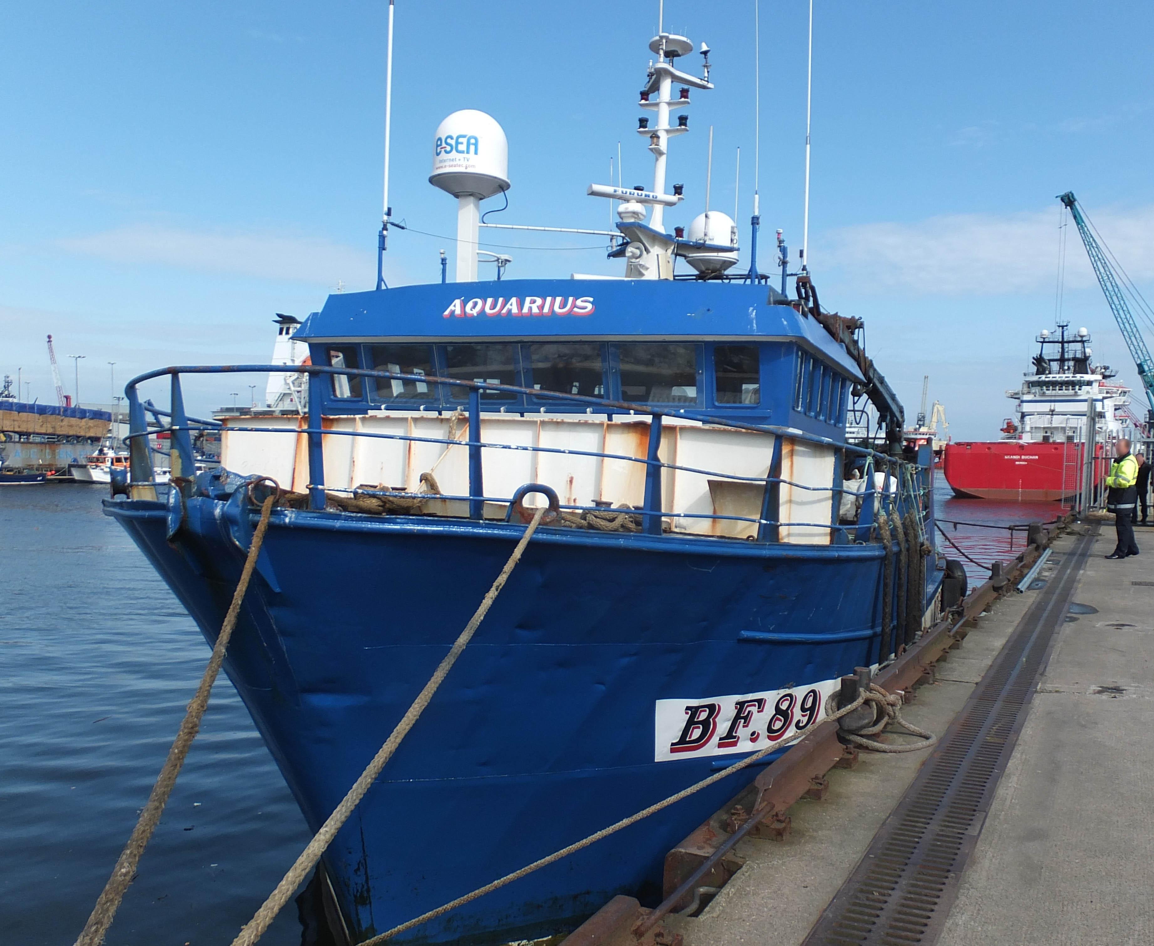 Photograph of Aquarius alongside at Aberdeen