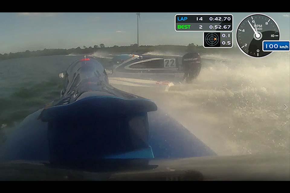 Formula 4 powerboats collision