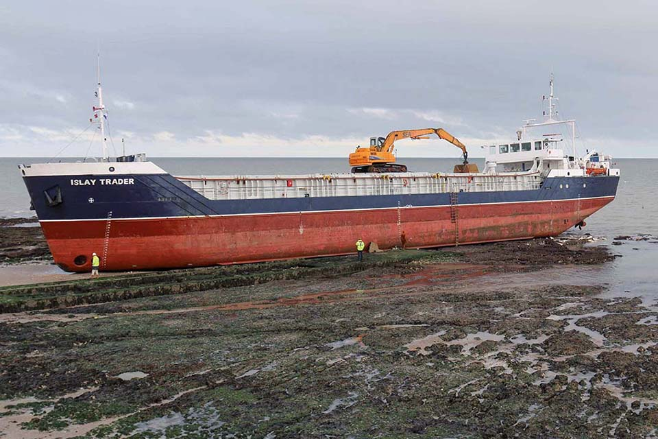 Islay Trader aground