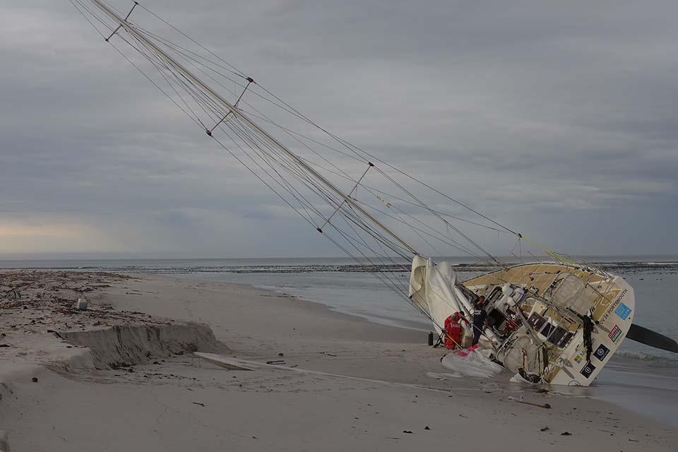 Yacht CV24 aground
