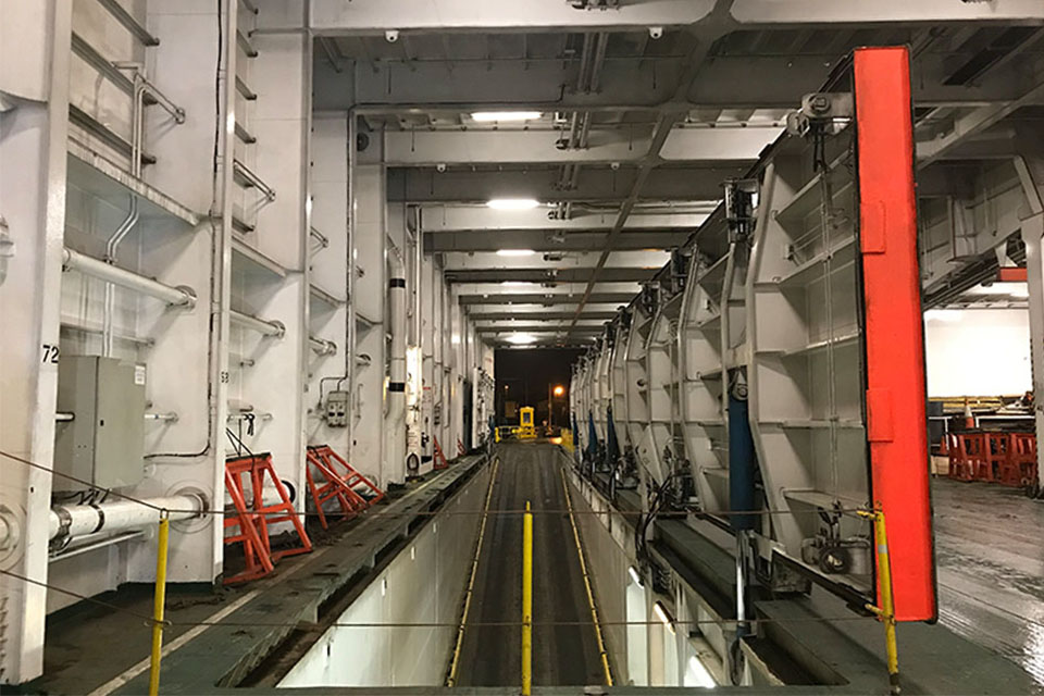 Seatruck Pace hatch opening and ramp