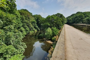 The River Aire as it passes beneath the Leeds & Liverpool canal near Dowley Gap